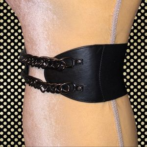 Bebe brand black stretchy belt!
